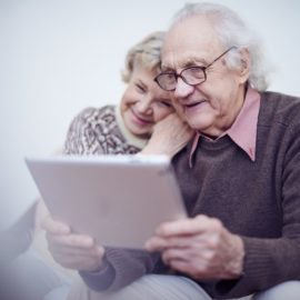 A caregiver's guide : the tablet with Alzheimer