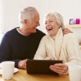 Guida per l'aiutante familiale : il tablet con un Alzheimer