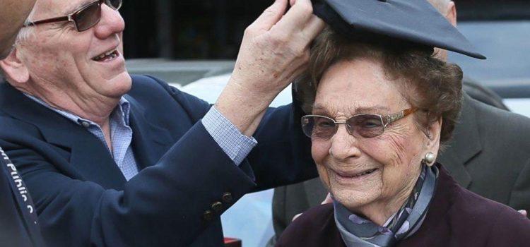 Jeannette vous informe… Une arrière-grand-mère de 93 ans décroche le bac !