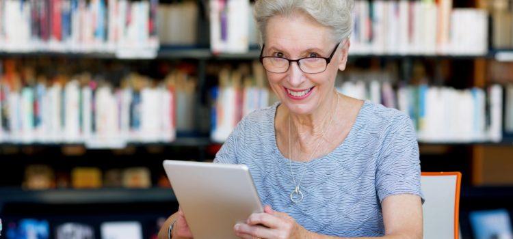 Gli anziani sempre più collegati