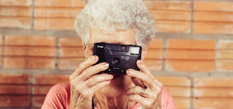 Cadeaux : comment faire plaisir à nos aînés?
